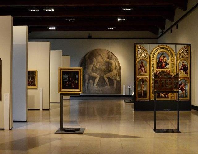 Best art galleries Milan museums supplies classes